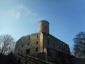 Zamek Lipowiec i skansen w Wygiełzowie